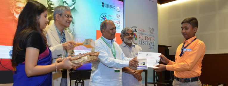 RAHUL SINGH, 11 MATHS, SUBMITTTED HIS INNOVATION AND RESEARCH PAPERS IN INDIA INTERNATIONAL SCIENCE FESTIVAL 2019, HELD IN KOLKATA AND SECURED THE FIRST POSITION.